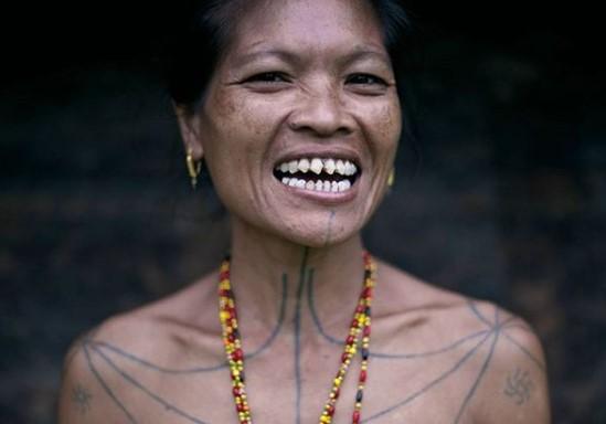tradisi unik, upacara adat, budaya, indonesia,