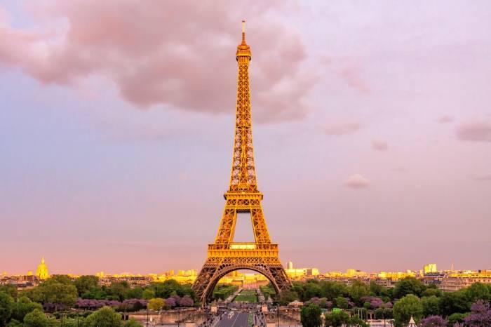 Menara Eiffel di Paris, Perancis