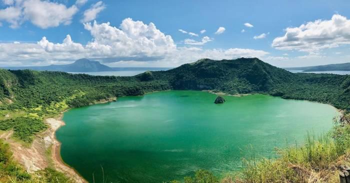 danau taal filipina