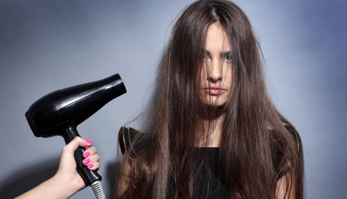 kurangi penggunaan alat styling atau hair dryer