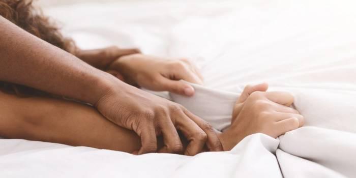 berhubungan seksual