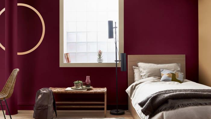 warna merah maroon dan jingga