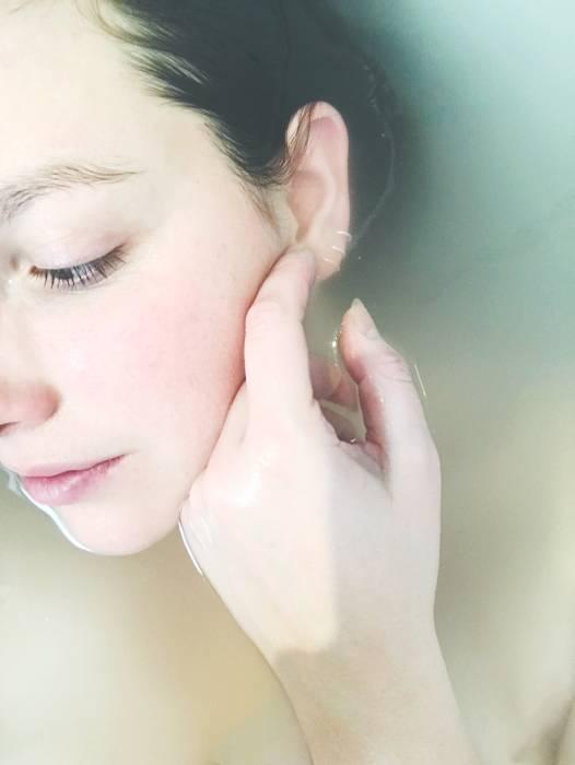 manfaat tidur cukup bagi kulit