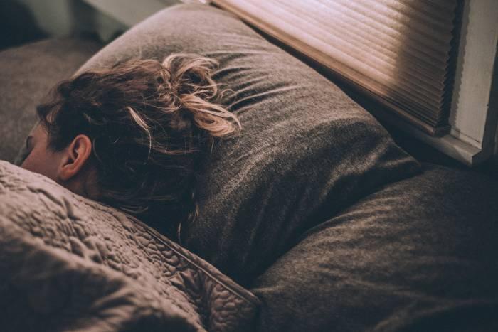 cara mengatasi pusing saat bangun tidur