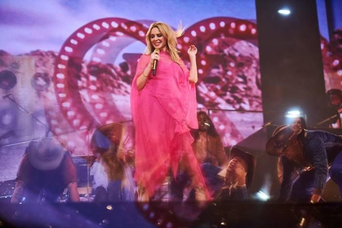 Kylie Minogue menjalin asmara kembali di usia 50 tahun