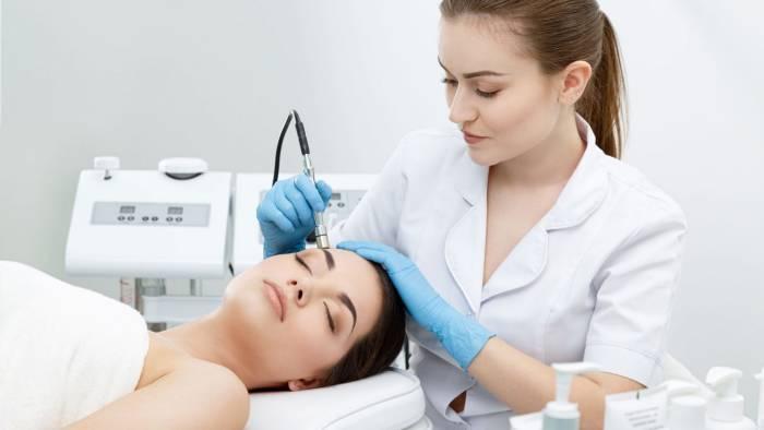 perawatan kulit wajah di klinik kecantikan