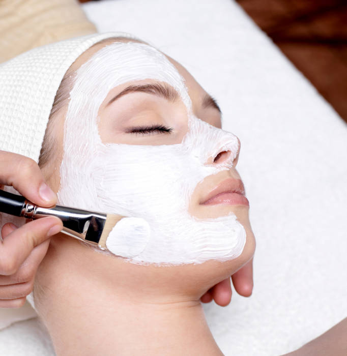 facial perawatan wajah di klinik kecantikan
