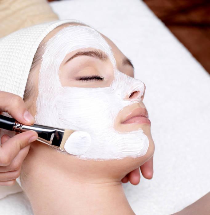 facial perawatan wajah di klinik kecantikan