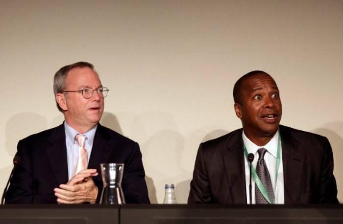 Kiri: Google Chairman, Eric Schmidt dan Kanan: David Drummond