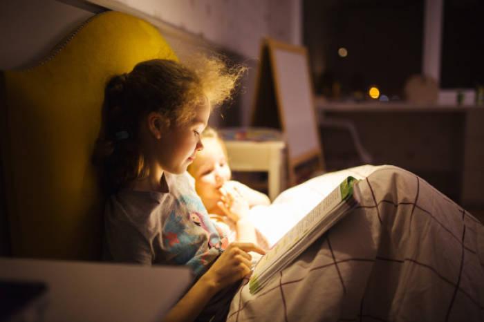 manfaat mendongeng menumbuhkan minat baca anak