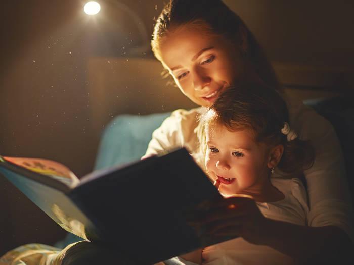 manfaat dongeng melatih konsentrasi anak