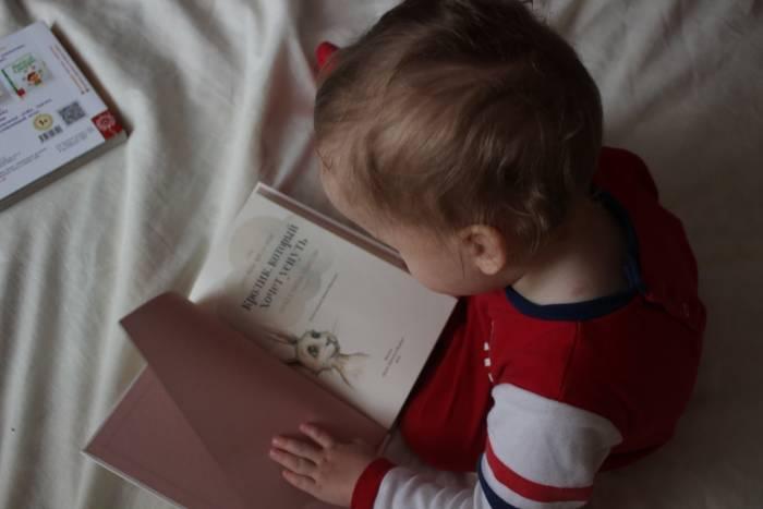 manfaat mendongeng untuk berpikir kritis anak