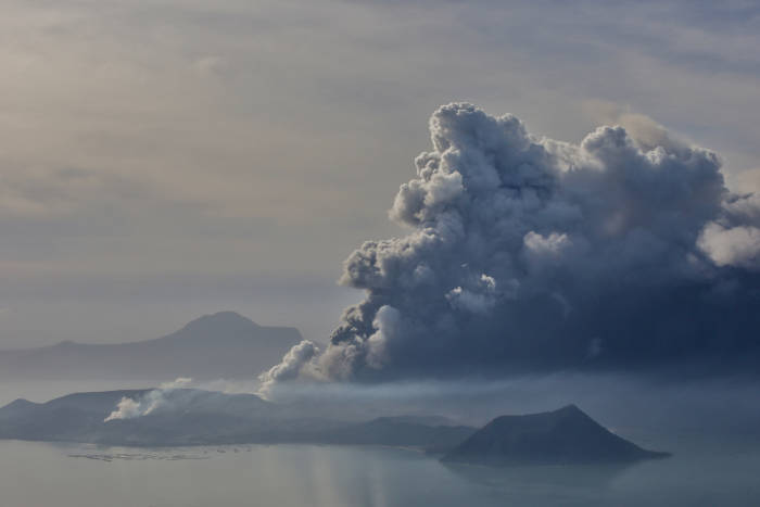 gunung berapi, gunung api, gunung berapi taal, filipina, gunung taal erupsi