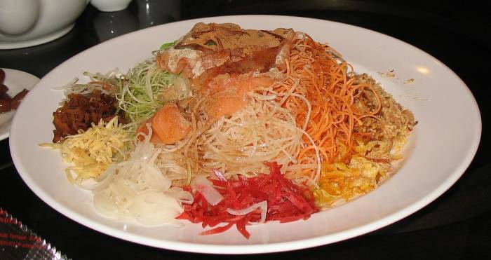 makanan tahun baru Imlek Yu Sheng Yee Shang