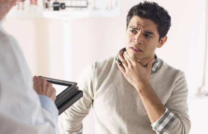 Gejala, Penyebab, dan Pengobatan Kanker Pita Suara ...
