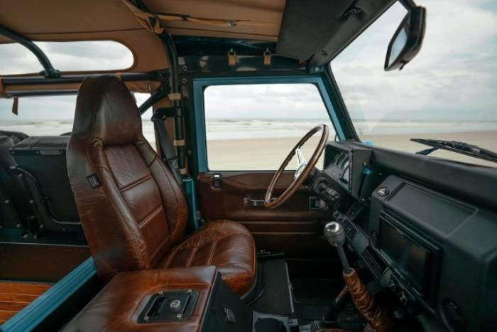 Nuansa mewah kabin Land Rover Defender 90