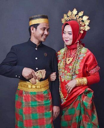 Pakaian adat tradisional Sulawesi Selatan