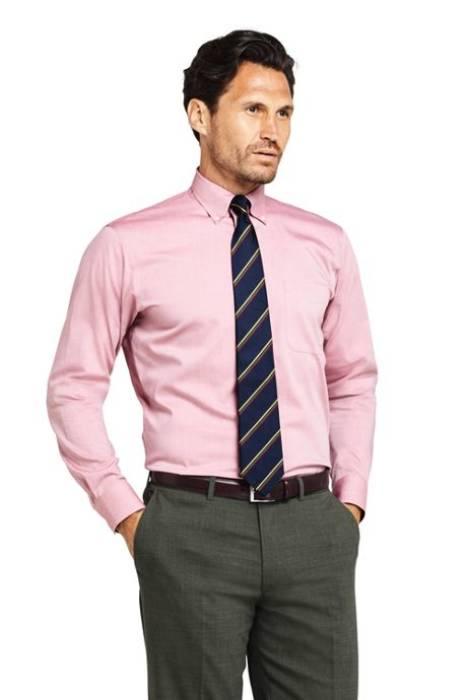 pria pakai baju pink
