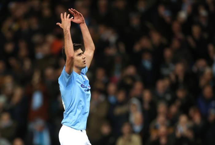Gelandang Manchester City, Rodri melakukan selebrasi usai mencetak gol pertama untuk City.