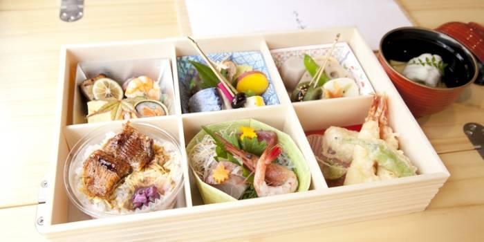 Makanan yang disediakan Maiko Train