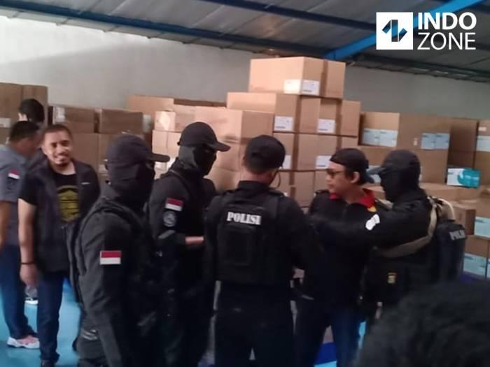 pabrik masker ilegal