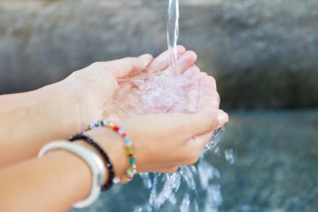Ilustrasi seseorang tengah mencuci tangan