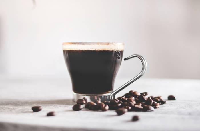 hindari kopi setelah melahirkan