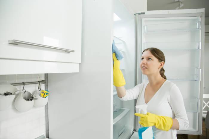 Yuk Bikin Sendiri Cairan Disinfektan di Rumah!
