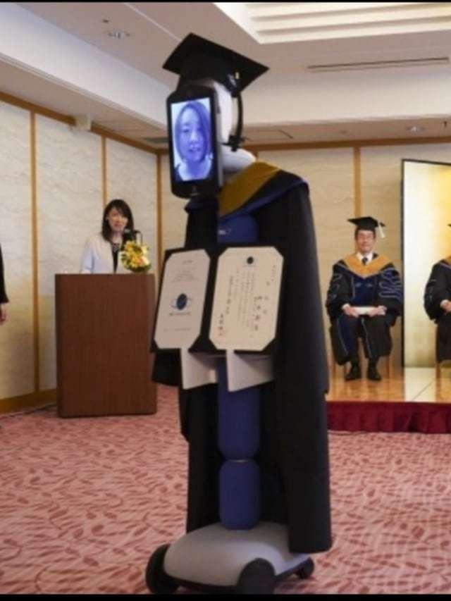 wisuda digantikan robot di jepang