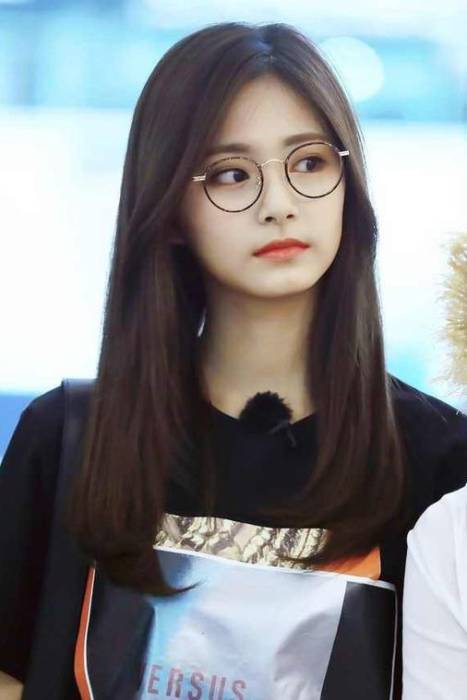Wajah Bulat Yuk Coba Model Rambut Panjang Ala Perempuan Korea Indozone Id