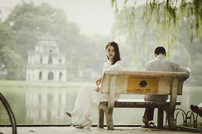 Suami Naksir Sahabatmu, Berikut Ini Beberapa Tanda Agar Tak Kecolongan