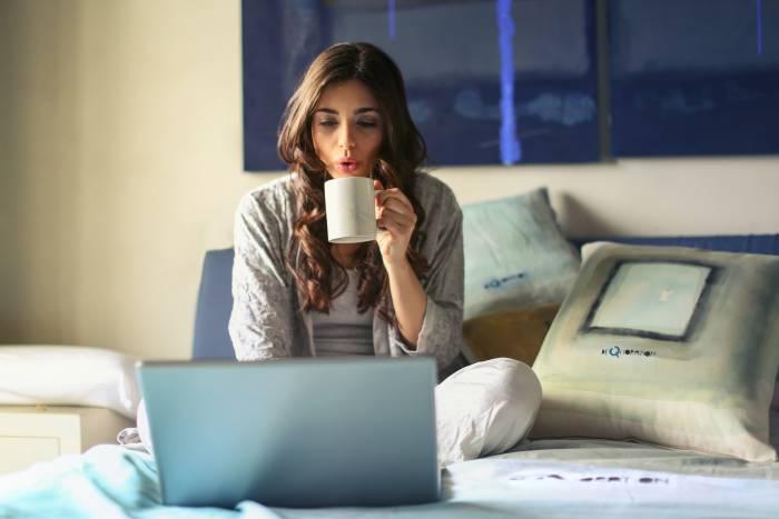 Suka Kesiangan Bangun Sahur? Yuk Ikuti 5 Tips Sederhana Ini!