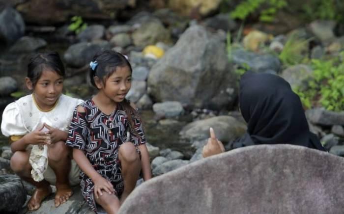 Dua anak suku terasing Polahi di Gorontalo
