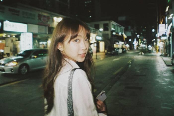 Dita Karang memilih hidup mandiri di Korea Selatan.