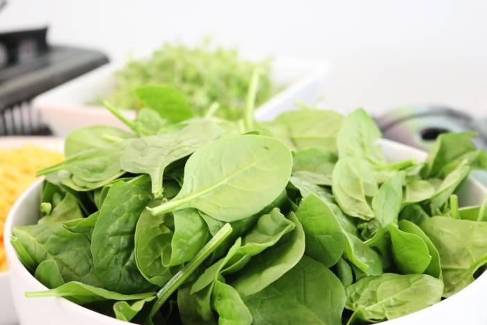 bayam, sayuran hijau cegah stres