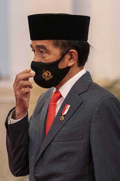 Hari Bhayangkara, jenderal polisi, hoegeng imam santoso, polri, kepolisian, polisi, kepolisian republik indonesia, HUT Bhayangkara, HUT ke-74 Bhayangkara, Upacara HUT Bhayangkara, Istana Negara, selamat hari bhayangkara, ucapan hari bhayangkara