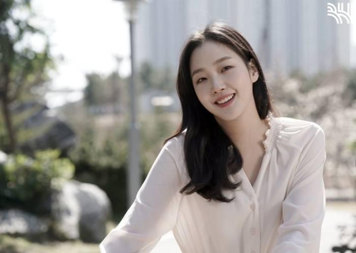 Kim Go Eun.(Naver)