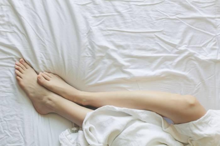 Ilustrasi restless leg syndrome
