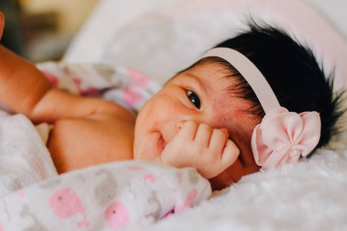 kumpulan ide nama nama bayi perempuan Islam dan artinya