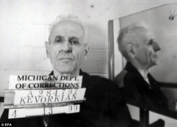Dr. Jack Kevorkian di Penjara Jackson State di Michigan pada tahun 1999.