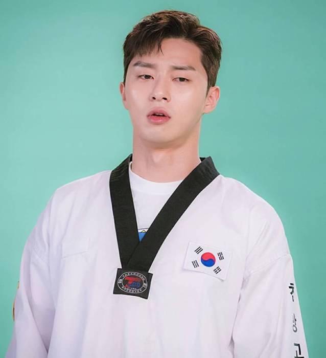 Park Seo Joon dalam Fight For My Way. (IMDb)