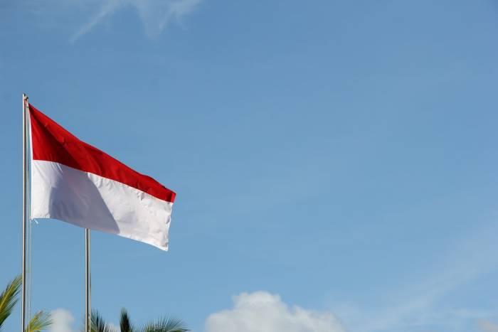 lagu wajib nasional 17 Agustus Berkibarlah Benderaku