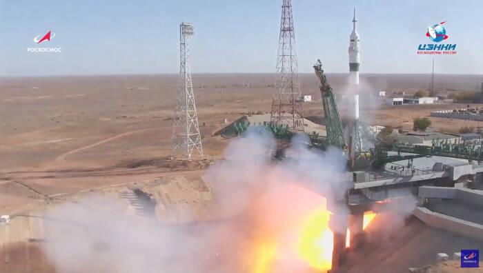 Pesawat luar angkasa Soyuz MS-17 meluncur ke luar angkasa