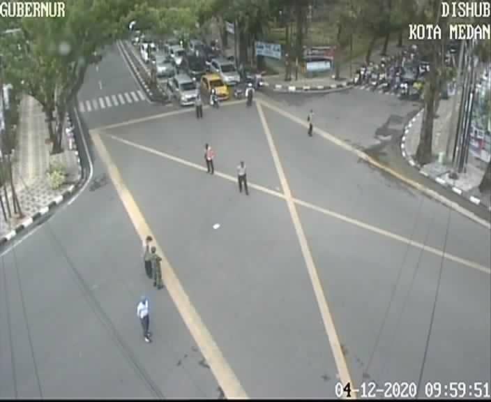 traffic light dimerahkan