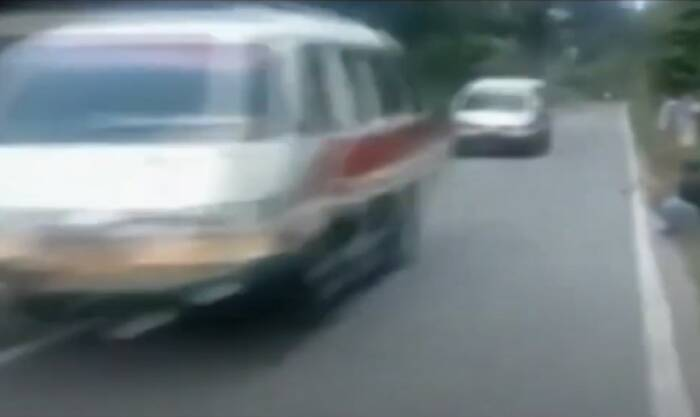 Sopir angkot ugal ugalan saat kendarai kendaraan. (Ist)